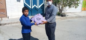به همت گروه جهادی شهید رضا امینی حوزه مقاومت بسیج دانش آموزی شهرستان بهمئی بسته های ورزشی بین دانش آموزان توزیع شد.