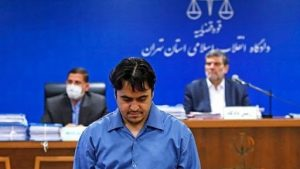 «روح الله زم» سرشبکه ضد انقلاب، لیدر اغتشاشات دی ماه ۹۶ و مؤسس و گرداننده رسانه معاند آمدنیوز، سحرگاه امروز به دار مجازات آویخته شد